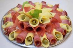 Ketering-Braća-Bogavac-altina-fast-food-zemun-beograd-dostava-gotovajela-rostilj-pljeskavice-priprema-kuvana-jela-predjela-corbe-supe-firme-hrana-obrok-posluzenje-mojabaza2