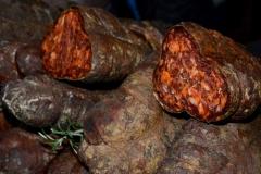 kuzminski-kulen-kuzmin-zdrava-hrana-domace-proizodna-dostava-kvalitet-ukusna-serbian-food-delicious-local-specialities-mojabaza-logo-1