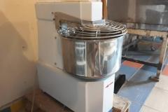 mesalicazatesto-pekarska-oprema-ugostitelji-hleb-peciva-proizvodnja-hrana-picerije-mojabaza1-1