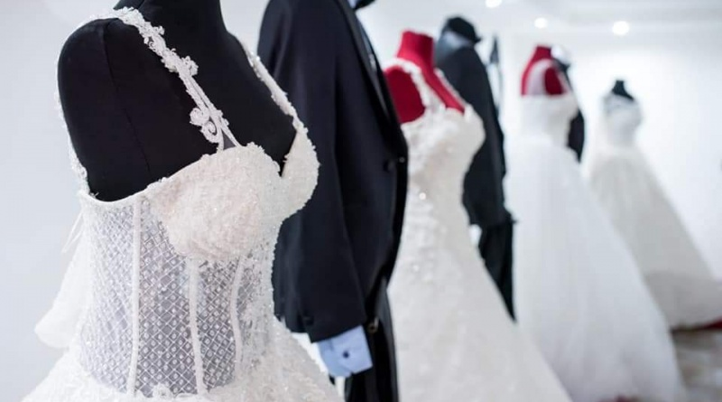 vencanice-prestige-obrenovac-beograd-iznajmljivanje-svadbe-prateca-oprema-haljine-decje-haljine-muska-odela-veselja-odeca-luxodeca-topdress-mojabaza5